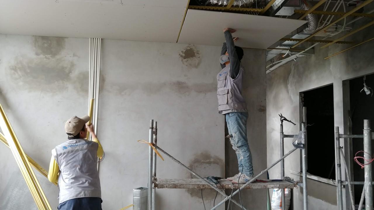Thi công nội thất trần thạch cao tại NaDu