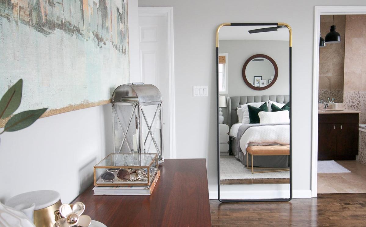 Phong thủy phòng ngủ kỵ đặt gương đối diện giường ngủ