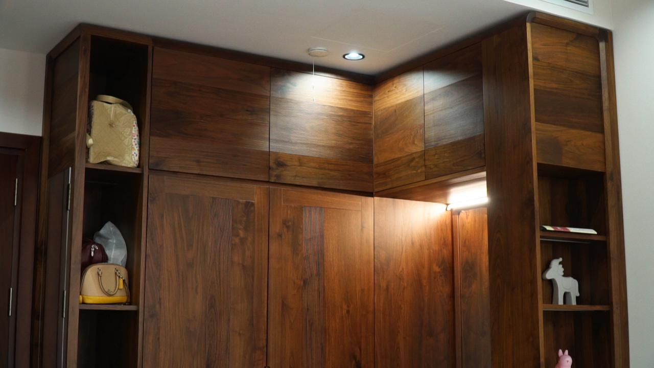Thi công nội thất gỗ óc chó tại NaDu Design