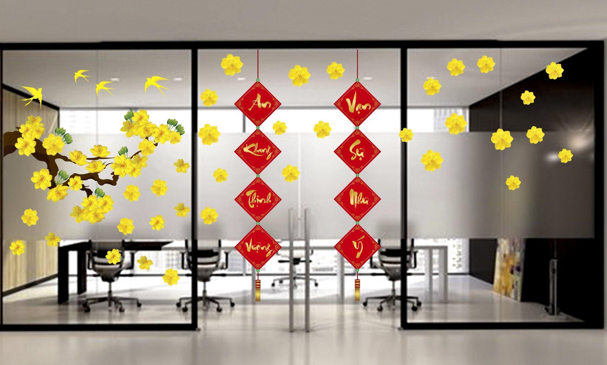 Ý tưởng trang trí cửa kính nhà ở ngày Tết