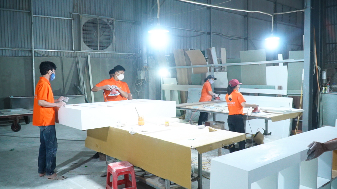 Xưởng sản xuất nội thất NaDu Design - chuyên thi công nội thất gỗ óc chó